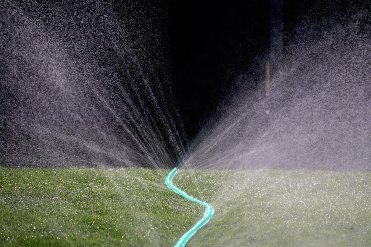 Soaker hose spray