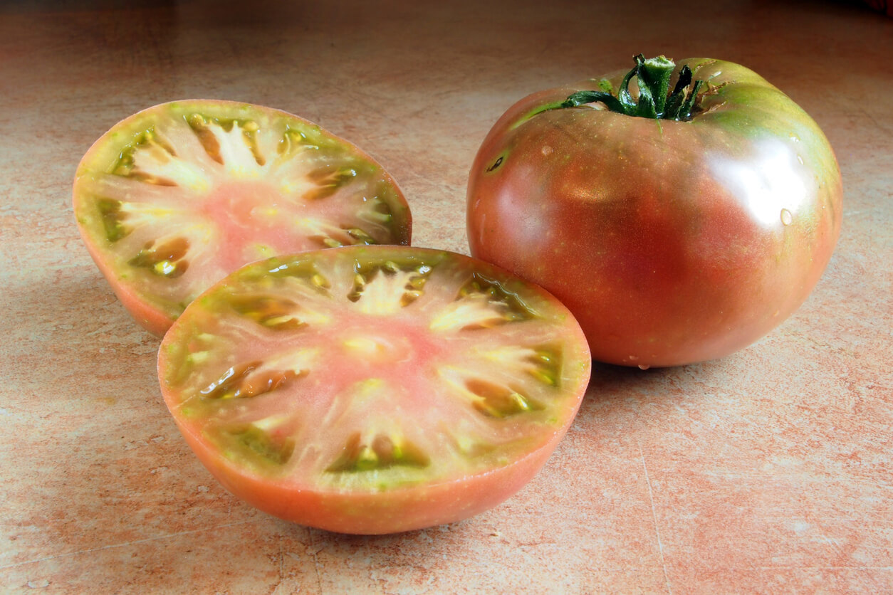 Sliced-Cherokee-Tomato